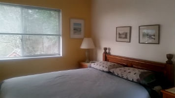 Victoria bed and breakfast - Bayridge suite guest bedroom